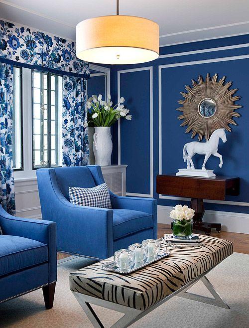 Un sal n decorado en tonos azules make your dream by for Cortinas azules para salon